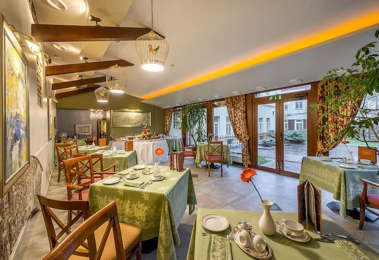 Grotthuss Boutique Hotel, Vilnius, Breakfast Area