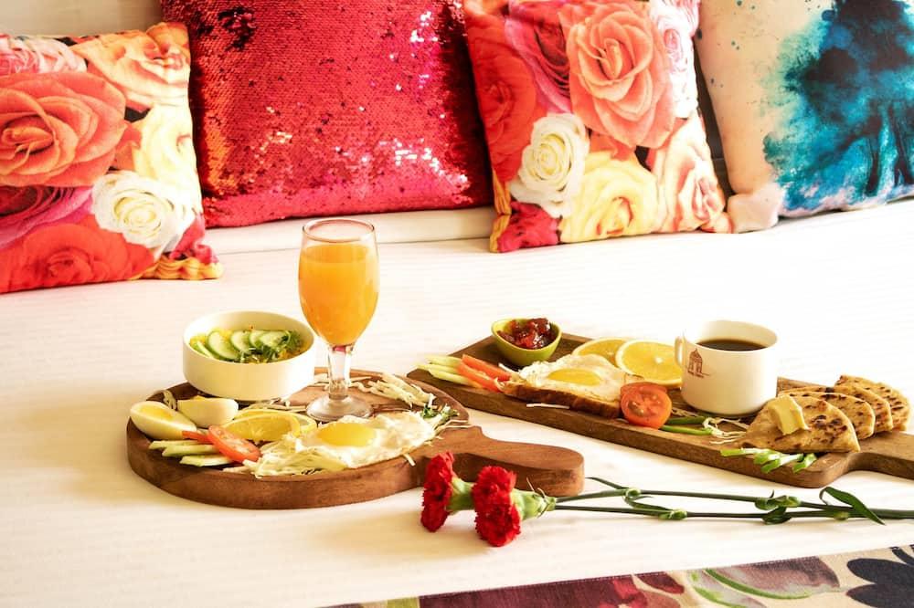 Quarto luxo - Sala de jantar (no quarto)