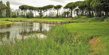 Picture of DoubleTree by Hilton Hotel & Spa Emporda in Gualta