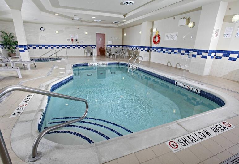 Fairfield Inn & Suites by Marriott Sudbury, Sudbury, Pool