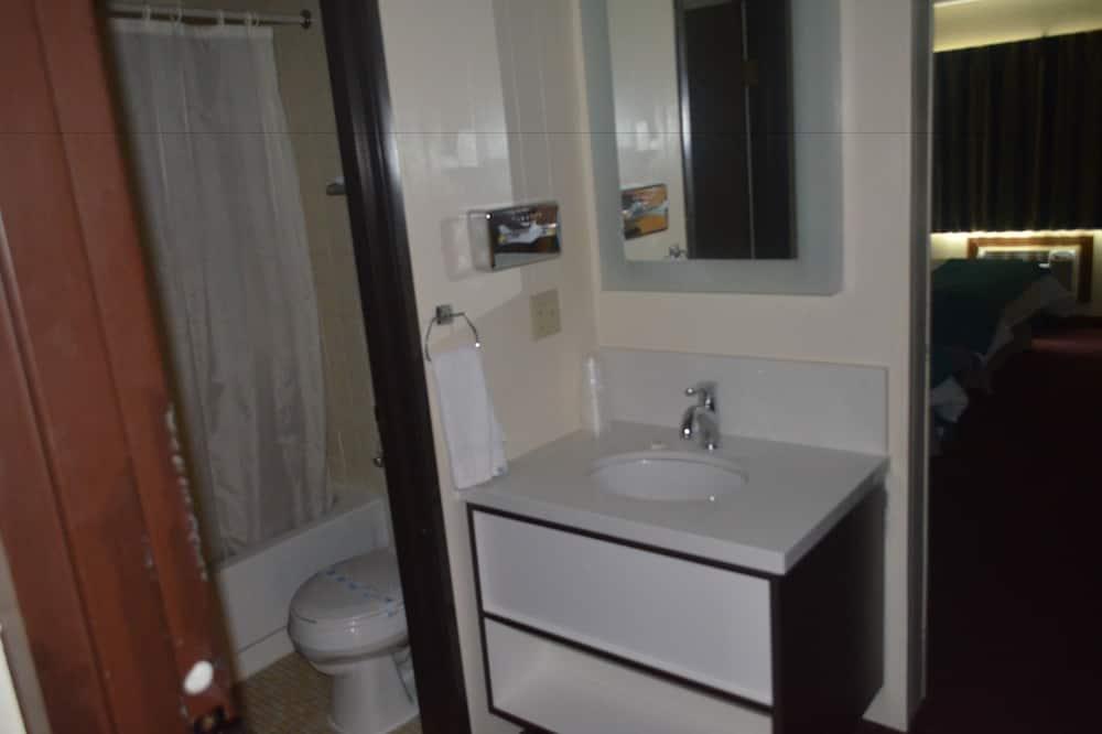 Habitación, 1 cama Queen size, para fumadores - Baño
