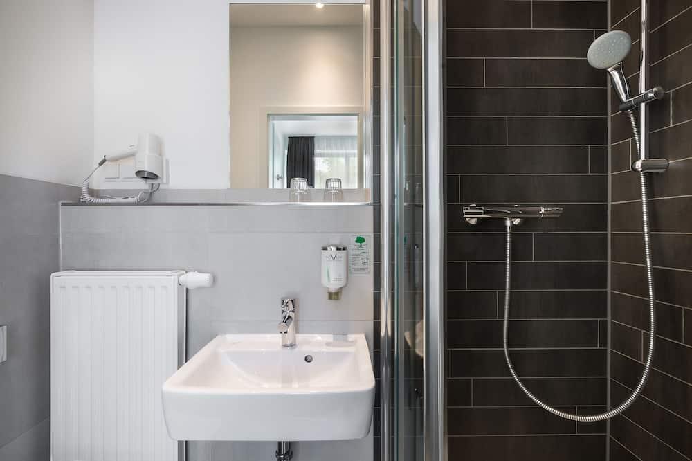 Standard-dobbeltværelse - 2 enkeltsenge - Badeværelse