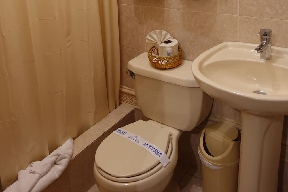 Executive Superior Room - Bathroom