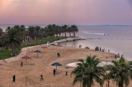 Book Holiday Inn Resort Half Moon Bay An Ihg Hotel In Dhahran Hotels Com