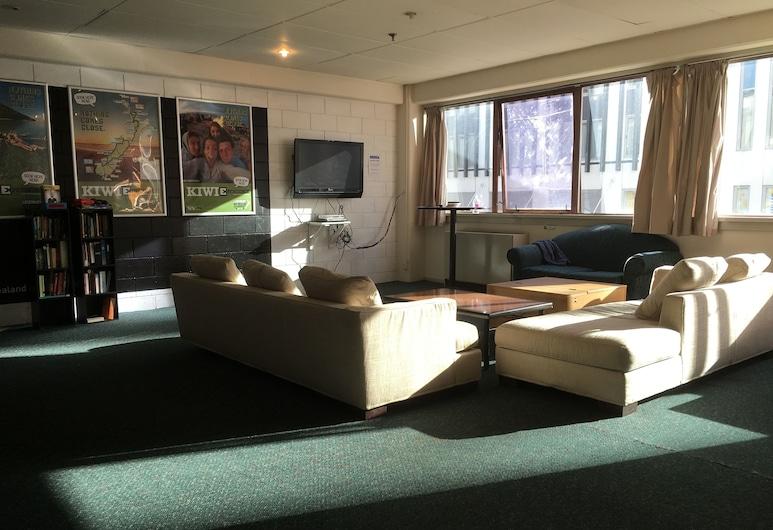 Fat Camel Hostel, Auckland, Shared Dormitory (4 Beds), Living Area