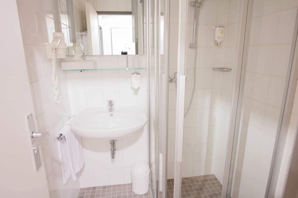 Μονόκλινο Δωμάτιο, Κουζινούλα - Μπάνιο