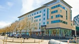 Reserve this hotel in Leeds, United Kingdom