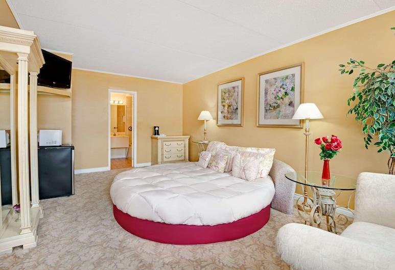 Knights Inn Midland, ON, Μίντλαντ, Σουίτα, 1 Queen Κρεβάτι, Δωμάτιο επισκεπτών