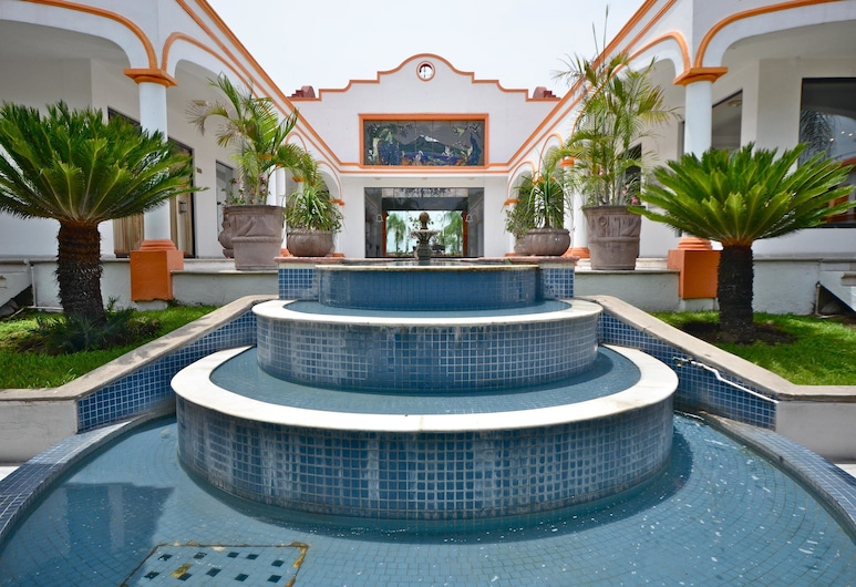Mision Colima, Colima, Fountain