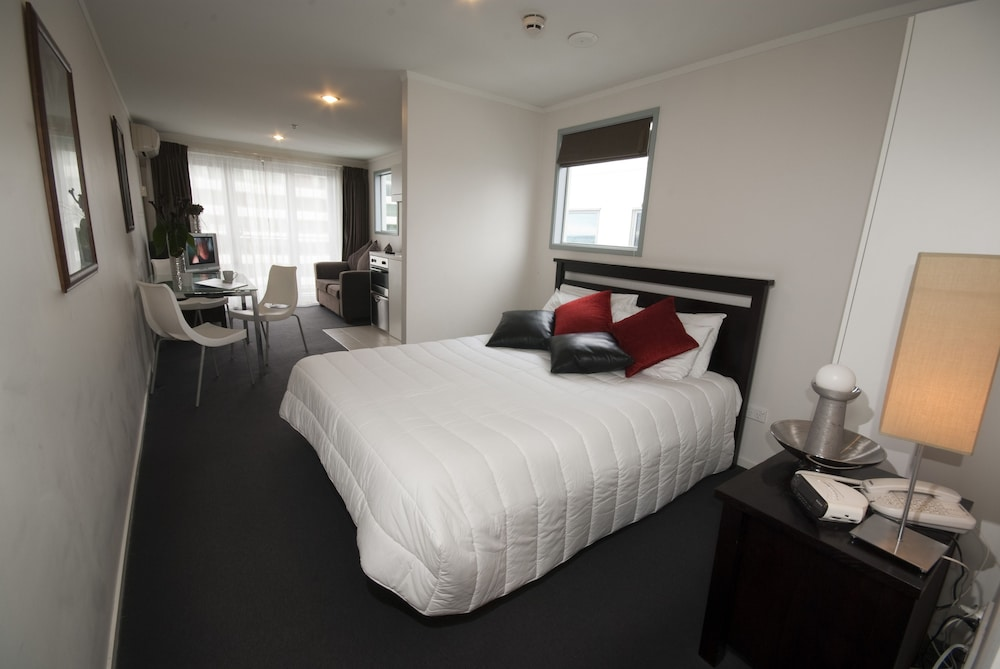High Quality Waldorf Bankside Apartments, Auckland