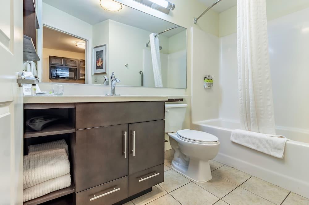 Στούντιο-Σουίτα, 1 Queen Κρεβάτι, Πρόσβαση για Άτομα με Αναπηρία (Communication, Mobility Tub) - Μπάνιο