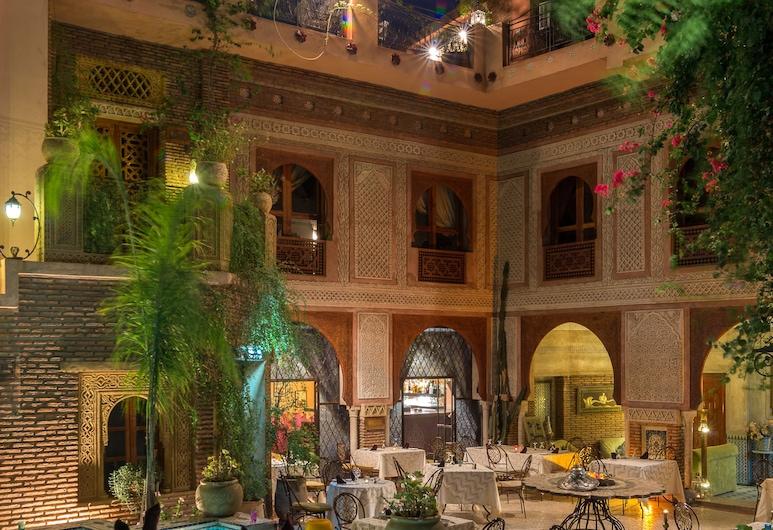 塞班皇宮飯店, 馬拉喀什, 室外游泳池
