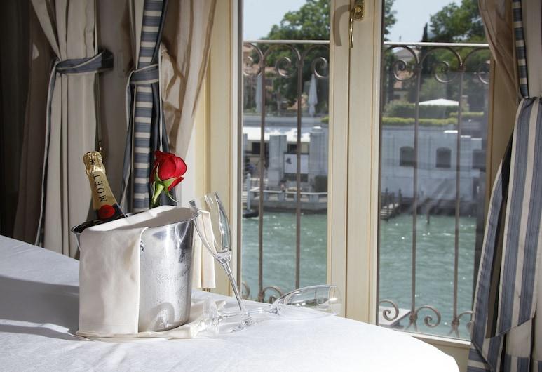 Hotel Dei Dragomanni, Wenecja, Double Room Grand Canal View, Widok z pokoju