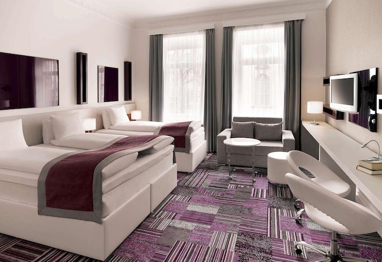 ibis Styles Stockholm Odenplan, Stockholm, Standard Triple Room, Guest Room