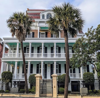 Picture of 20 South Battery in Charleston