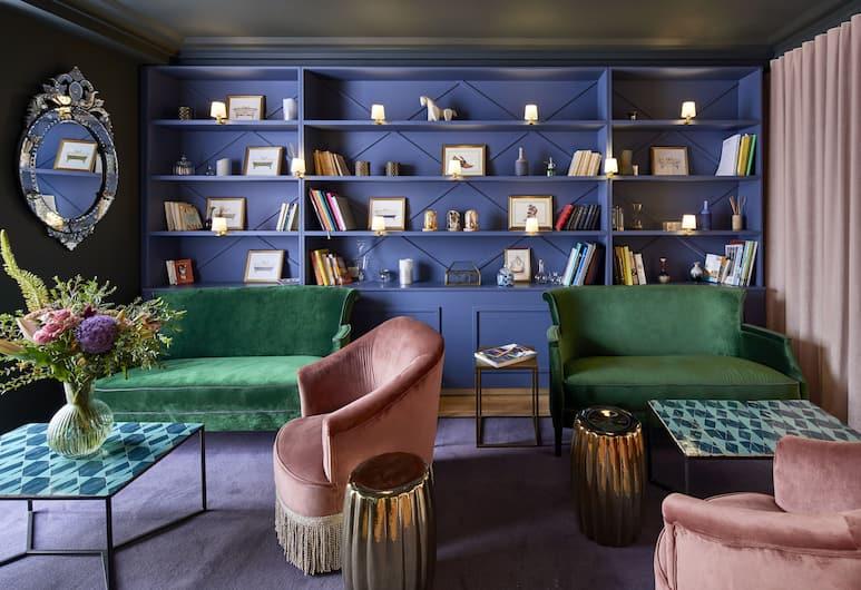 Hotel Taylor, Paris, Réception