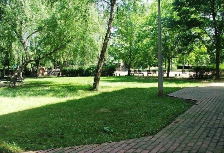 Tisza Sport Hotel, Segedas, Sodas