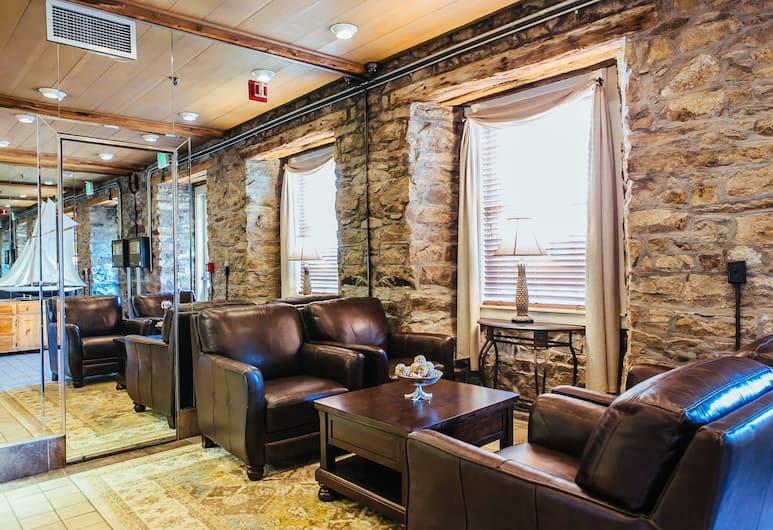 Newport Bay Club and Hotel, Newport, Lobby