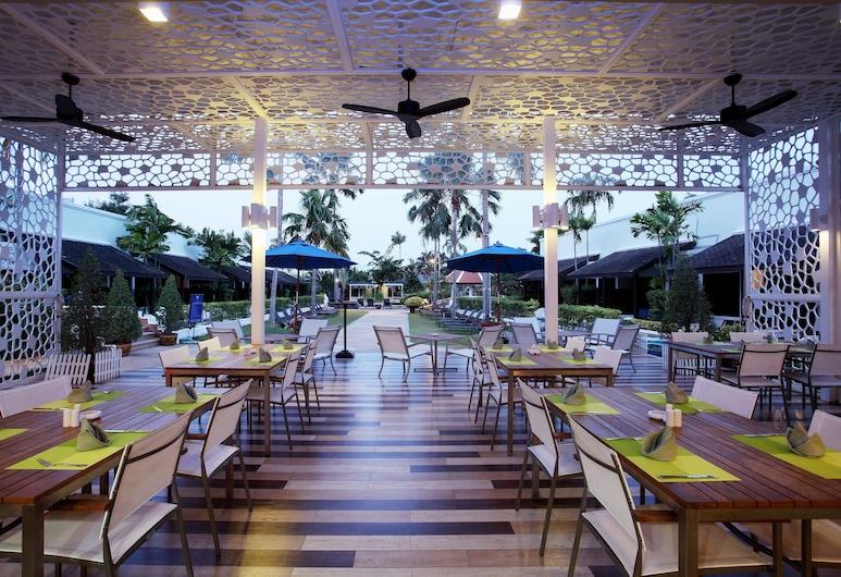 ACCESS Resort & Villas, Karon, Bar-salon de l'hôtel