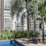 Executive Apartment, 1 Bedroom - Street View