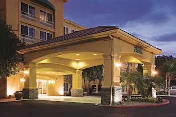 Choose This Cheap Hotel in Stevenson Ranch