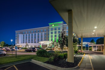 Picture of Holiday Inn Kansas City Airport in Kansas City