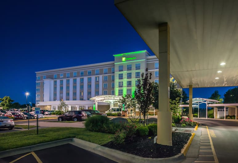 Holiday Inn Kansas City Airport, Kansas City, Hotel Front – Evening/Night