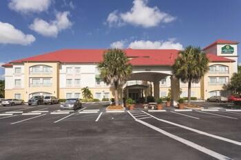 Selline näeb välja La Quinta Inn & Suites Fort Myers Airport, Fort Myers