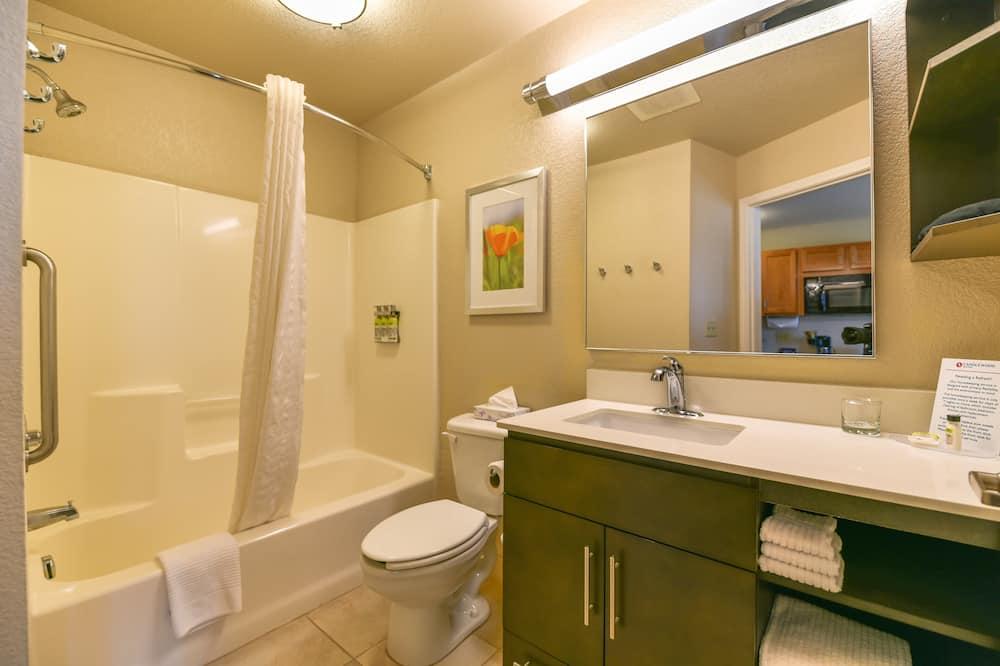 Studiosviitti, 1 keskisuuri parisänky - Kylpyhuone