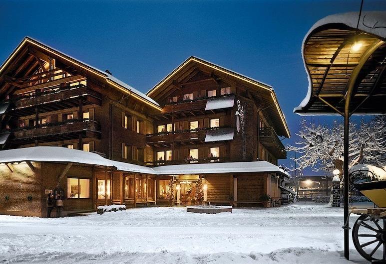 Hotel Post Bezau & Susanne Kaufmann Spa, Bezau, Viešbučio fasadas vakare / naktį