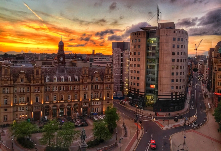 Quebecs Luxury Apartments, Leeds, Front of property - evening