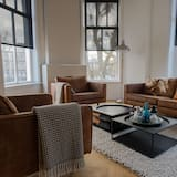 Standard Apartment, 2 Twin Beds, Non Smoking, Terrace - Living Room