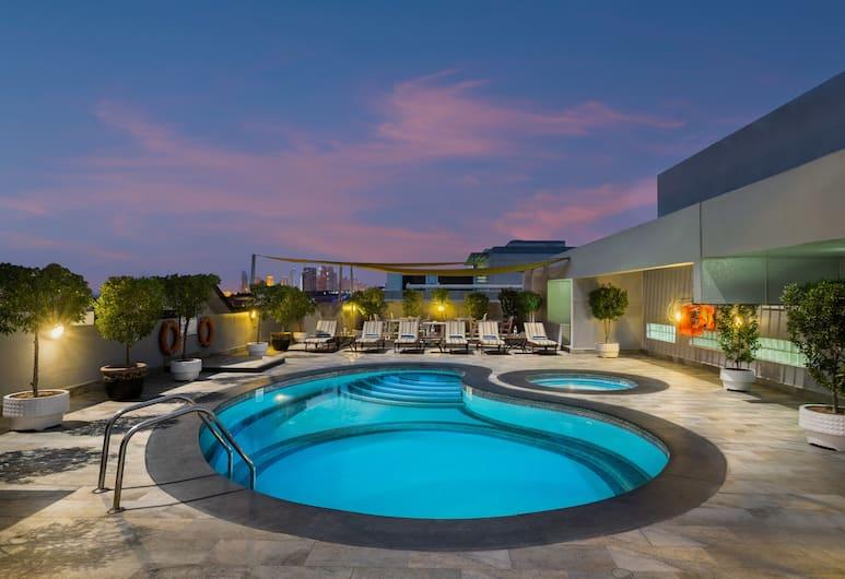 Savoy Park Hotel Apartments, Dubai, Pool