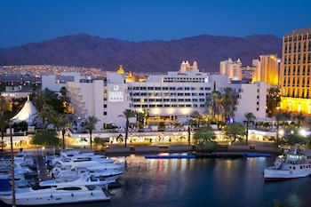 Enter your dates to get the best Eilat hotel deal