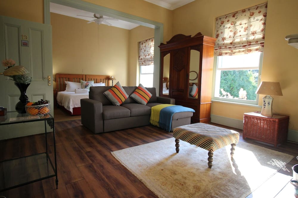 Executive Suite, 1 Bedroom (Harrow House 19) - Living Area