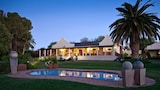 Choose this Country House in Oudtshoorn - Online Room Reservations