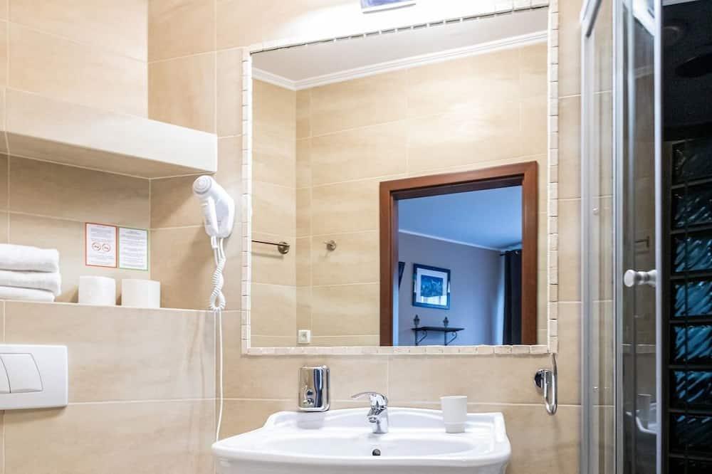 Standardzimmer (Shower 3 people) - Badezimmer
