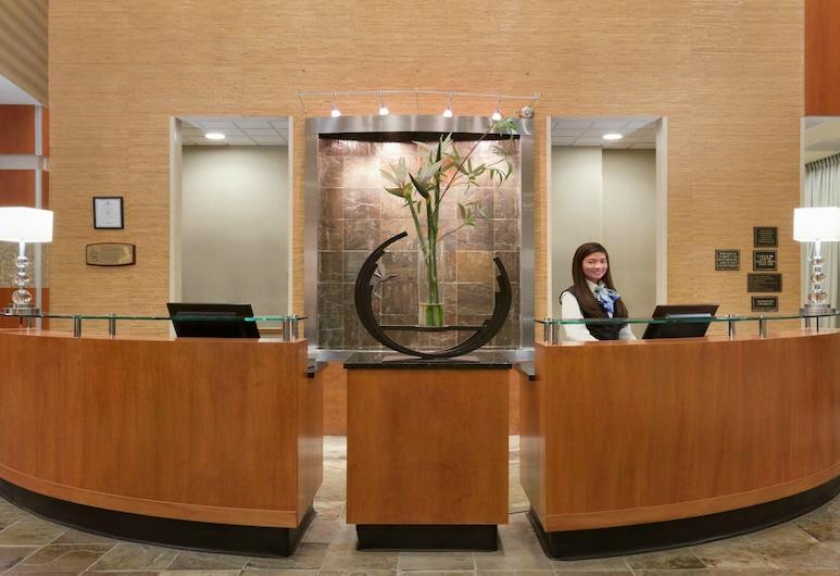 Holiday Inn Hotel & Suites Williamsburg-Historic Gateway, Williamsburg, Lobby