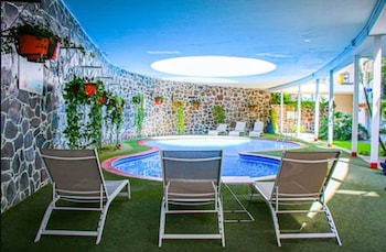 Фото Country Hotel and Suites у місті Гвадалахара