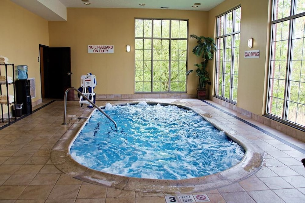 Hyatt Place Ord New Haven Indoor Pool
