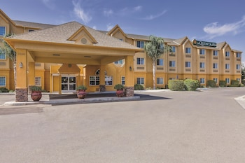 Picture of La Quinta Inn & Suites Tulare in Tulare