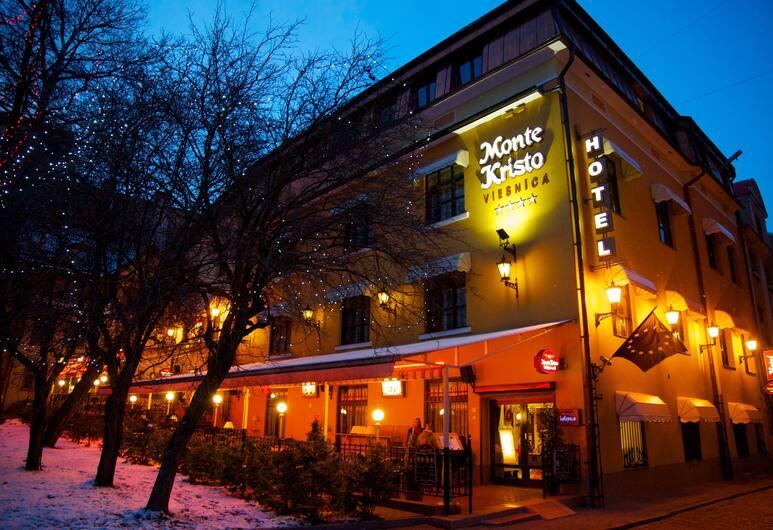 Monte Kristo Hotel, Riga, Hotellets front – kveld/natt