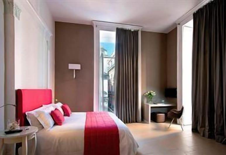 麥迪那納波利塔諾酒店, 那不勒斯
