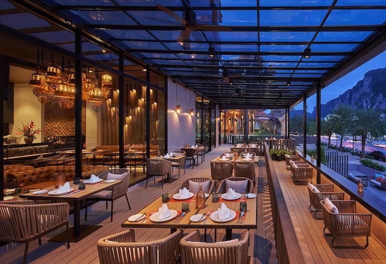 dusitD2 Ao Nang Krabi, Krabi, Dinerruimte buiten