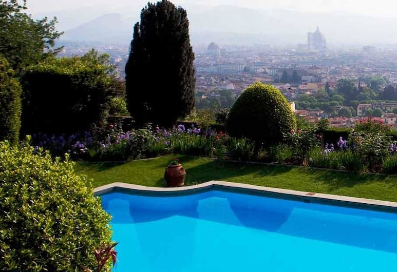 Torre di Bellosguardo, Florence, Piscine en plein air