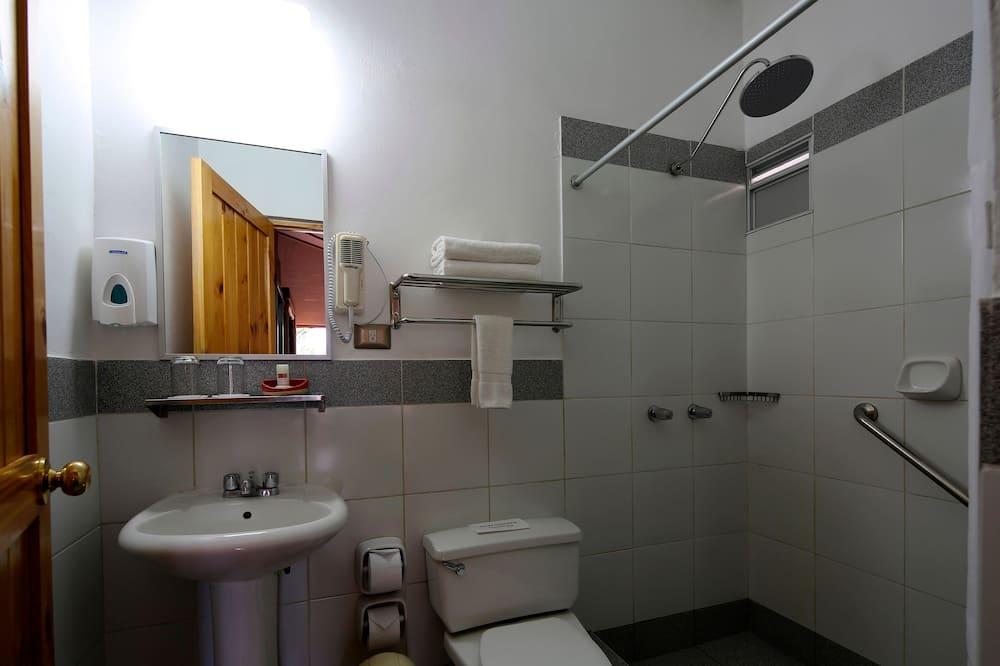 Traditional-Doppelzimmer, 1 Queen-Bett - Badezimmer