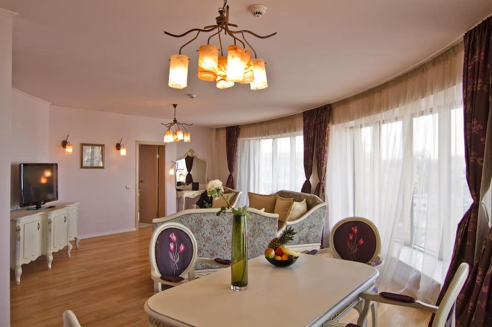 Suite, 1King-Bett, Eckzimmer - Wohnzimmer