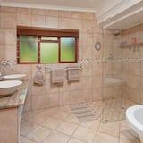 Pokoj Deluxe s dvojlůžkem (Balcony & Shower) - Koupelna
