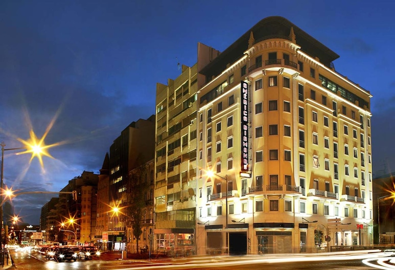 America Diamonds, Lisbona, Facciata hotel (sera/notte)