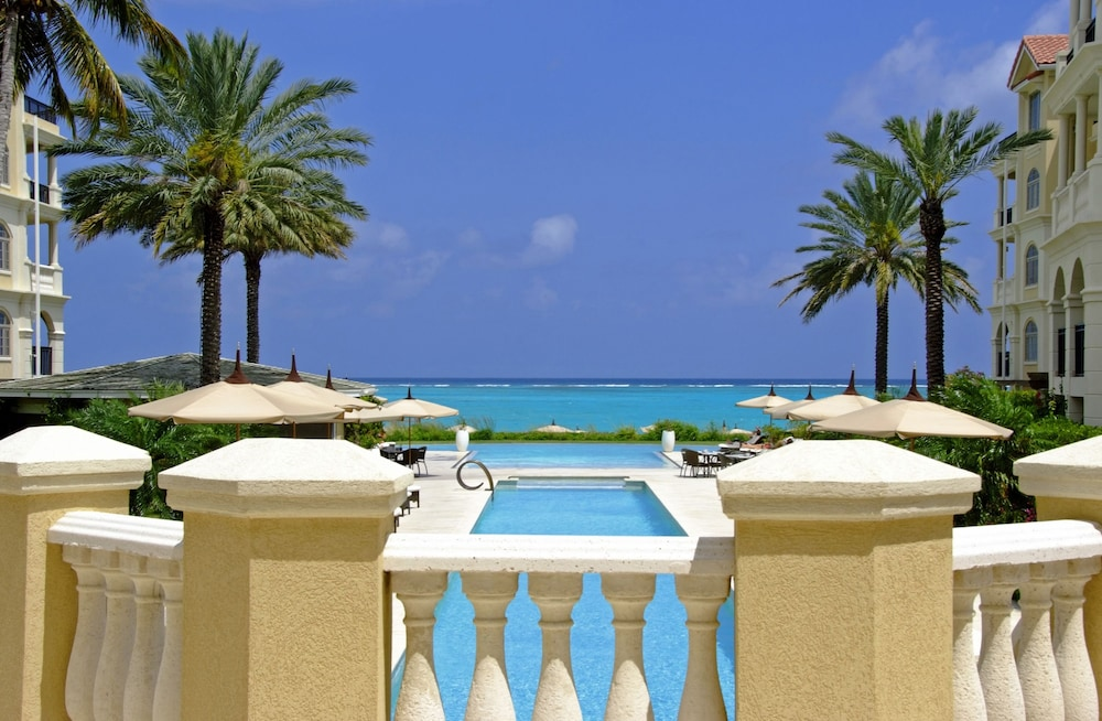 The Somerset on Grace Bay, Providenciales
